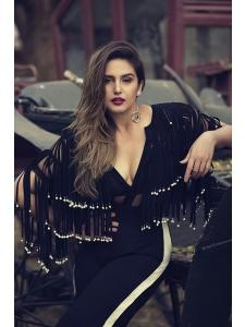 Huma Qureshi Hot & Sexy Photos