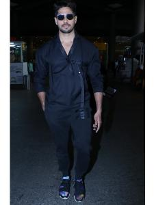 Sidharth Malhotra keeps it stylish at the airport