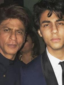 Best of the Week: Shah Rukh Khan's pic with Aryan Khan, Alia Bhatt's no makeup look to Patuadis pool snap