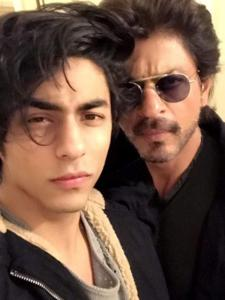 Shah Rukh Khan & Aryan Khan to Ranbir Kapoor & Rishi Kapoor, Check out the best father son selfies of B Town