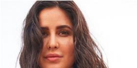 Katrina Kaif keeps it fresh and dewy as she aces the wet hair look in her latest PHOTO and leaves us in awe