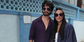 PHOTOS: Shahid Kapoor styles up the rugged look as he joins Neha Dhupia for her show