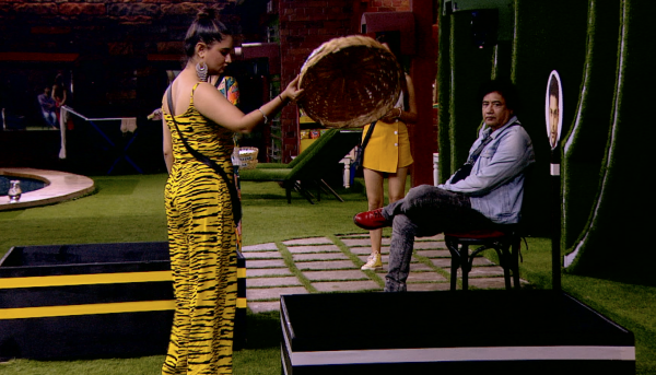 Bigg Boss 13 Day 12: Contestants 'fish' it out!!