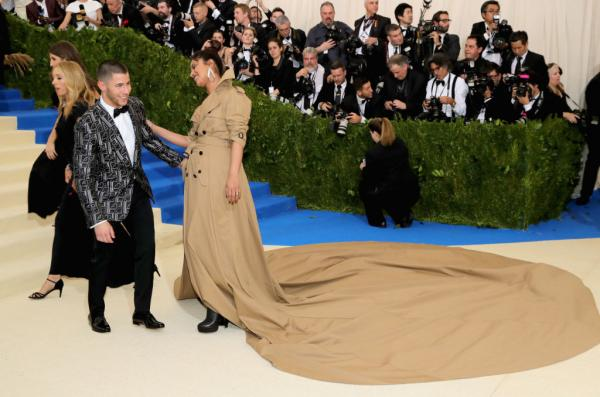 Nick Jonas & Priyanka Chopra Are Royalty At The 2019 Met Gala!