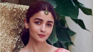 Alia Bhatt ditched western outfits for desi promotional looks and we loved every bit of it, Check PHOTOS