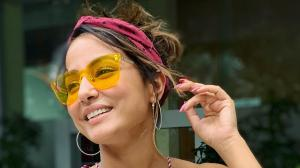 Hina Khan proves headband is a perfect hair accessory you NEED for summer; Here are ways to rock it