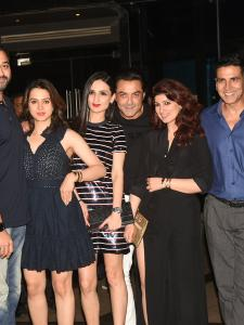 Akshay Kumar celebrates his birthday with friends and family