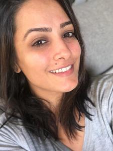 PHOTOS: Anita Hassanandani's no makeup pictures prove she is naturally gorgeous; Check it out