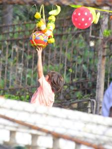 SRK and AbRam celebrate Dahi Handi at Mannat