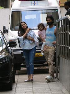 Shahid Kapoor and Mira Rajput gets papped with baby boy Zain Kapoor