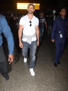Airport Diaries: Hrithik Roshan looks perfect in his casual outfit; View Pictures