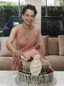 Kangana Ranaut looks pretty in pink as she celebrates her birthday with the paparazzi; See Photos