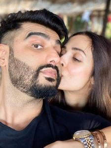 Malaika Arora and Arjun Kapoor's adorable moments get captured in THESE photos; Check it out