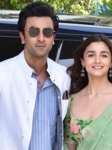 Ranbir Kapoor giving Alia Bhatt a haircut to delaying wedding due to COVID 19; Couple's viral moments of 2020