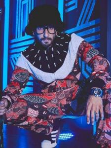 Ranveer Singh's latest obsession for THIS accessory brought 90s style back and fans loved it