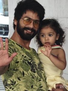 Shahid Kapoor: When the Kabir Singh star and Misha Kapoor adorably waved at the paparazzi; See THROWBACK pics