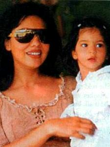 Suhana Khan and Gauri Khan are the most gorgeous mother and daughter duo in Bollywood; See THROWBACK PHOTOS