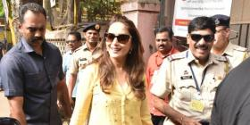 Lok Sabha Elections 2019: Madhuri Dixit fulfils her duty as a responsible citizen; casts her vote in Mumbai