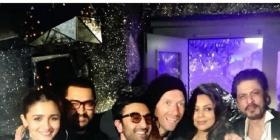 Ranbir Kapoor, Alia Bhatt, Shah Rukh Khan, Aamir Khan, Gauri create an EPIC pic with Coldplay's Chris Martin