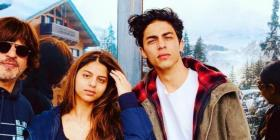 Shah Rukh Khan turns philosophical as wife Gauri Khan shares photo with kids Aryan, Suhana and AbRam