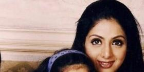 Flashback Friday: Janhvi Kapoor looks cute as a button as she leans on mommy Sridevi in this adorable photo