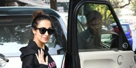 PHOTOS: Malaika Arora flashes her smile at the paps in an all black attire when snapped in the city