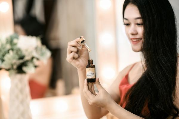 Haircare Tips: Here are the benefits and side-effects of hair serum