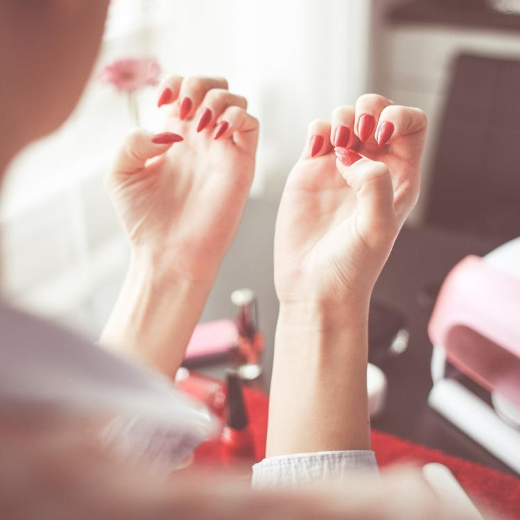 5 simple and easy ways to keep your nails healthy