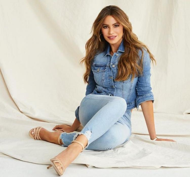 Celebrity Style,Denim,Sofia Vergara,affordable,modern family,collection,size inclusive
