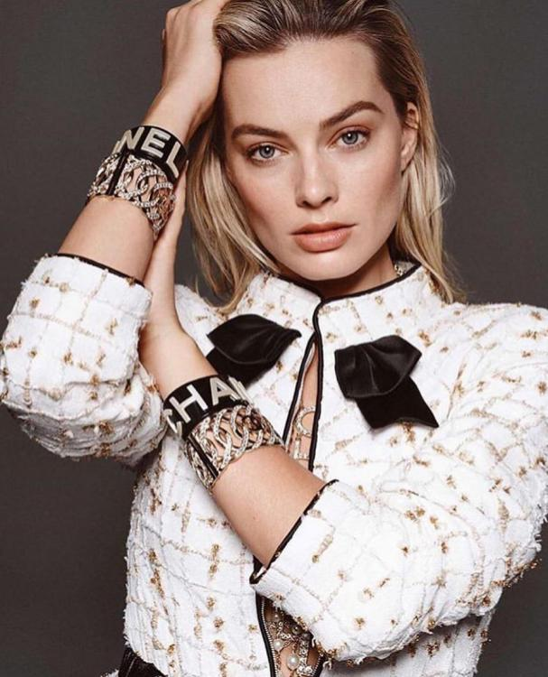 Celebrity Style,beauty,Margot Robbie,makeup tips,skin,flawless skin,celebrity make up artist