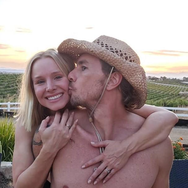 Kristen Bell & Dax Shepard are giving tenants one month rent free amid the pandemic outbreak