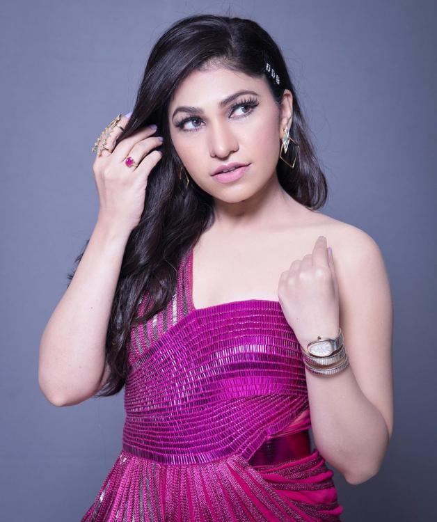 Tulsi Kumar and Mika are back with another recreation of the hit song 'Akhiyon Se Goli Maare'