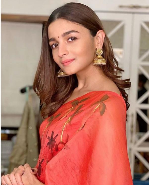 Alia Bhatt's traditional saree is perfect for days when you feel like keeping it simple; Check it out