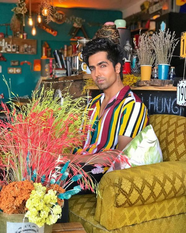 Harrdy Sandhu feels no music album is complete without a couple of rehashed songs