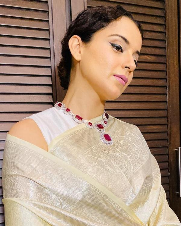 Kangana Ranaut's regal makeup look is perfect for you to recreate this festive season; Check it out