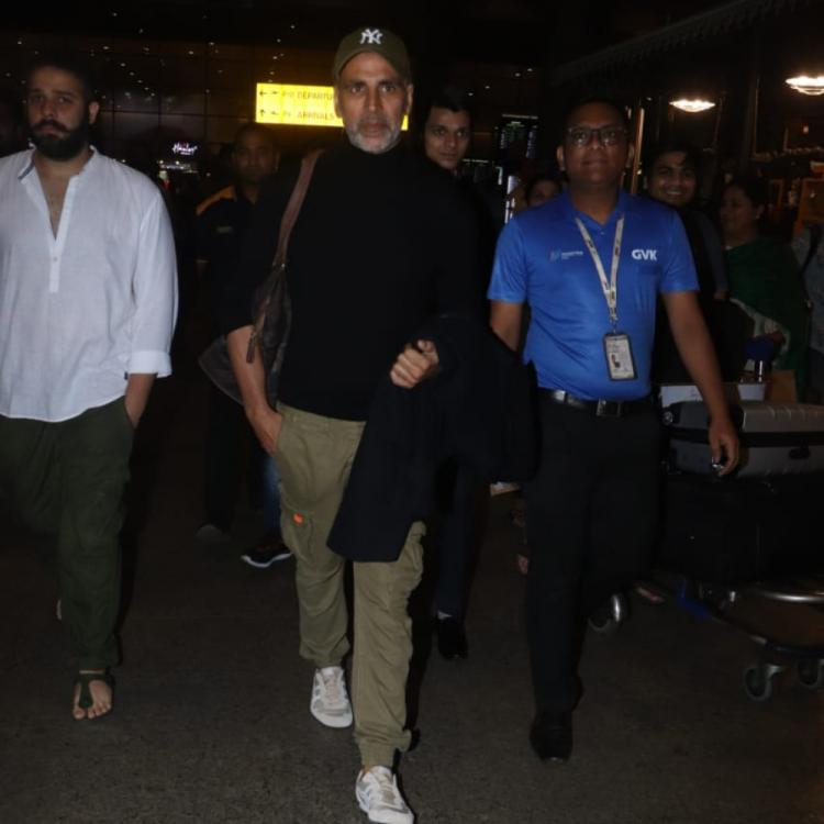 Airport  Diaries: Akshay Kumar and Twinkle Khanna are the perfect couple as they twin in black