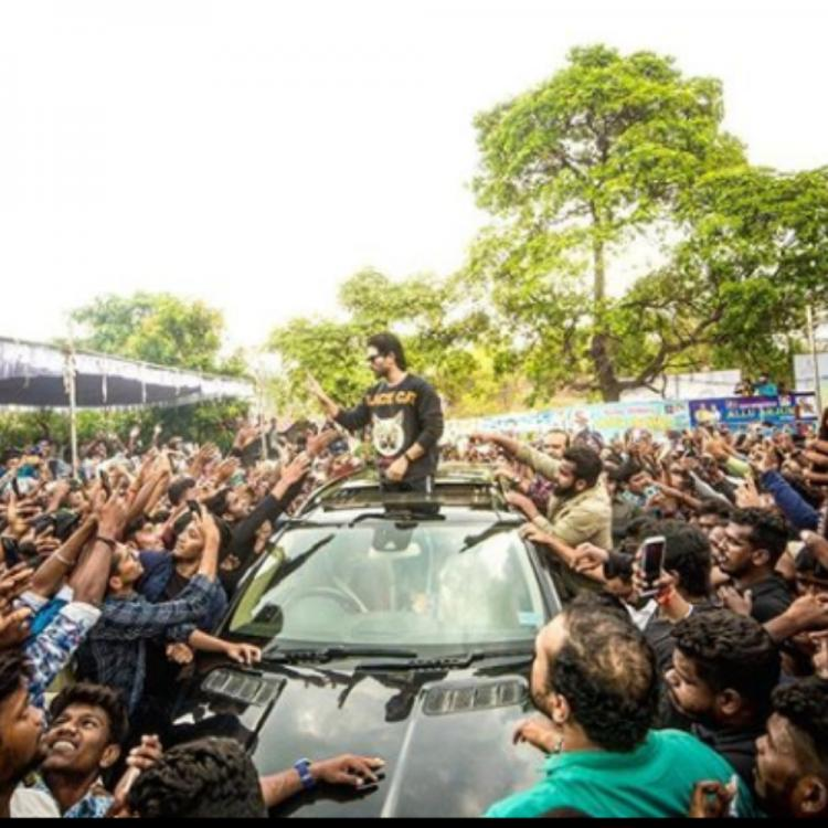 Allu Arjun meets and greets his fans on the occasion of his birthday; View Picture