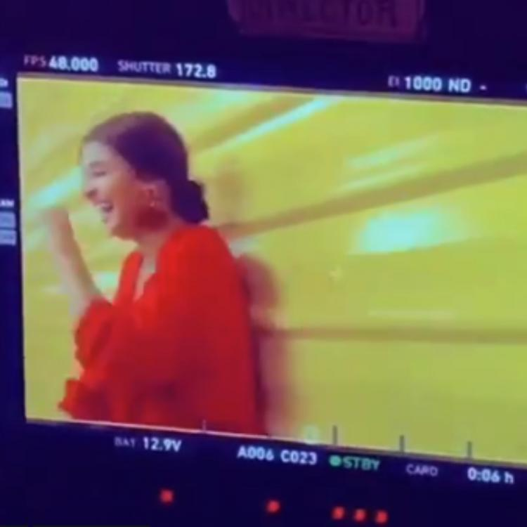 Anushka Sharma is at her goofy best in this adorable boomerang video; Watch