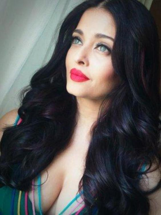 Is Aishwarya Rai Bachchan Using Slimming Oils For Losing Weight For