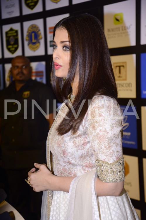 In pics aishwarya rai bachchan looks stunning at the lions gold photosaishwarya rai bachchanlions gold awards voltagebd Image collections