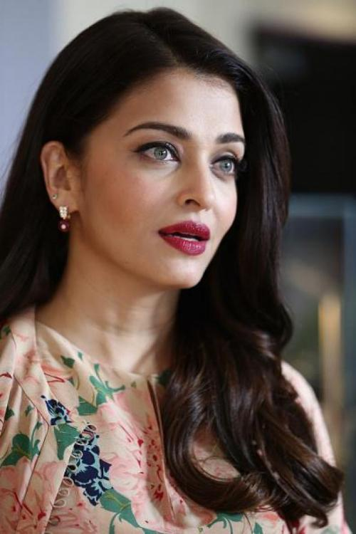 Aishwarya Rai Bachchan Is My Mother, Alleges 29-Year-Old Andhra Youth  Pinkvilla