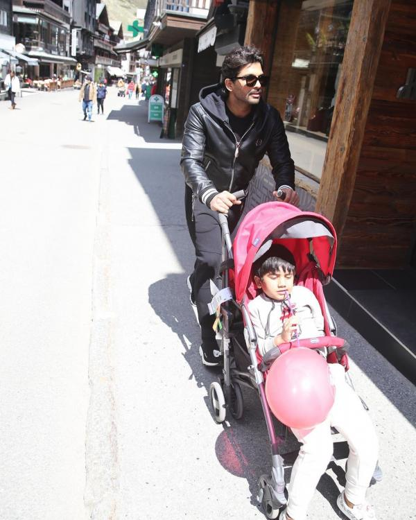 Allu Arjun's adorable photos with his kids and wife Sneha from their Switzerland holiday is family goals