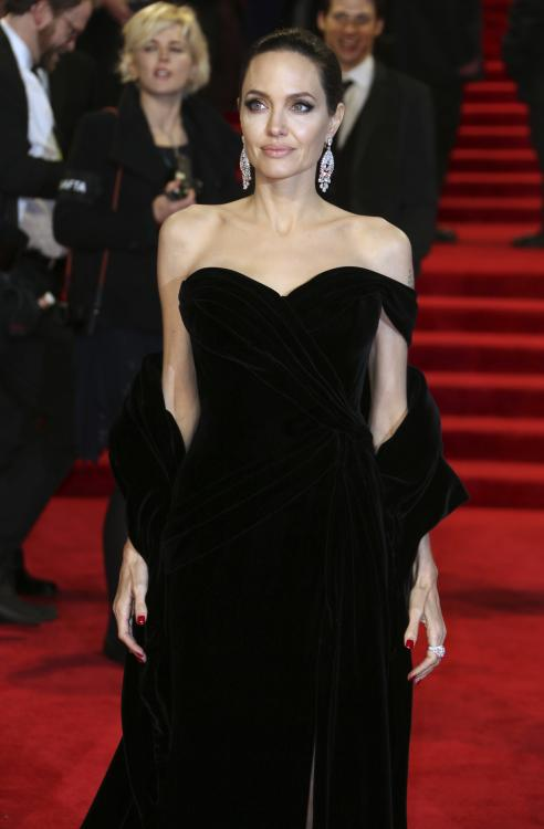 PHOTOS: Angelina Jolie makes heads turn in an off-shoulder black ...