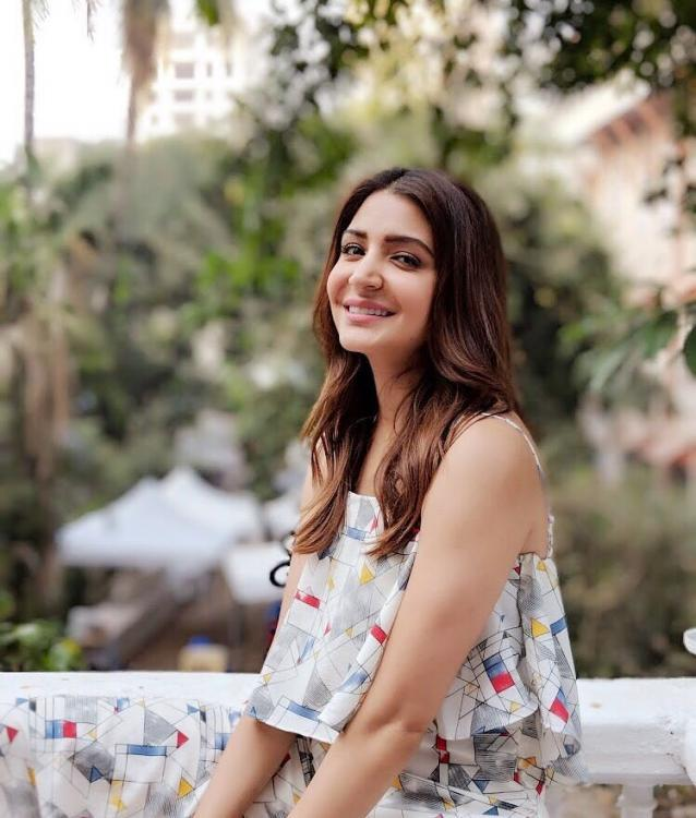 Anushka Sharma Starts Her Day With A Beautiful Smile