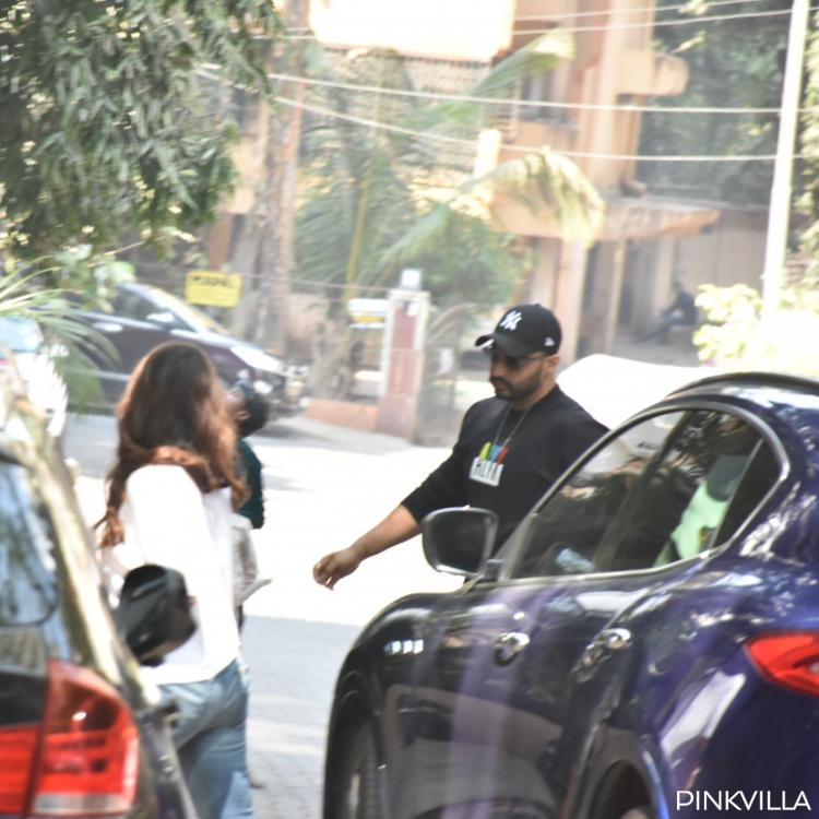 Lovebirds Arjun Kapoor and Malaika Arora spotted outside latter's residence; see pics