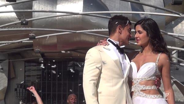 Behind The Scenes Video - Dhoom 3 - Shooting in Chicago | PINKVILLA