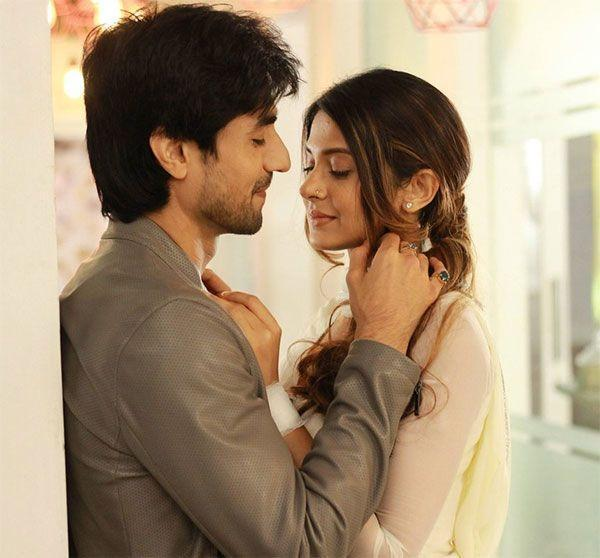 Bepannaah aditya to finally propose zoya for marriage pinkvilla colors show bepannaah stars harshad chopda and jennifer winget in lead roles recently it was reported that aditya harshad chopda will finally realise reheart Gallery