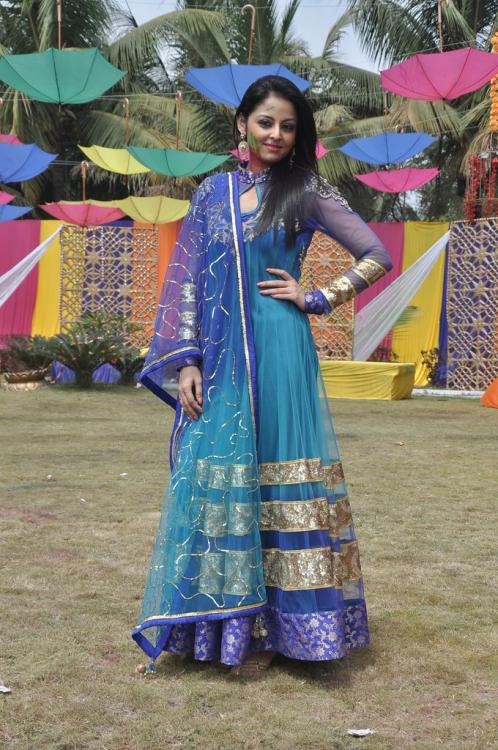 Beintehaa aliya dress images