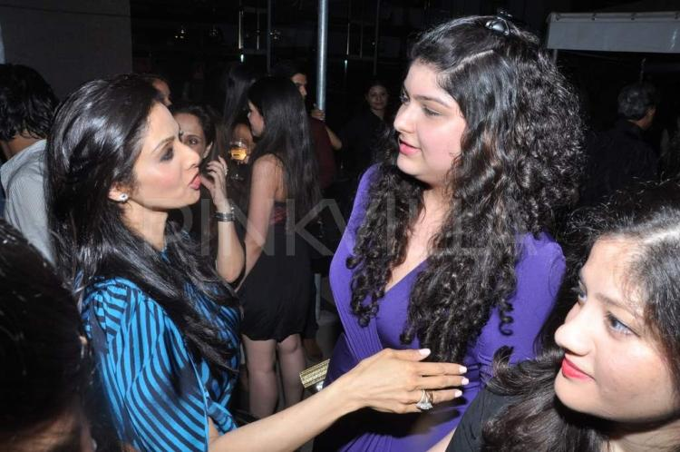 Fantastic Sridevi Snapped With Anshula Kapoor At Koecsh Launch Pinkvilla Hairstyles For Men Maxibearus