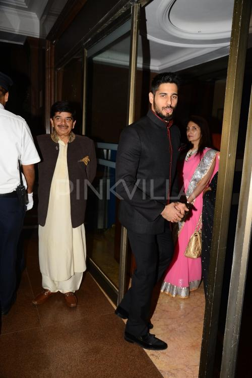 shraddha aditya and sidharth malhotra at arpitas wedding